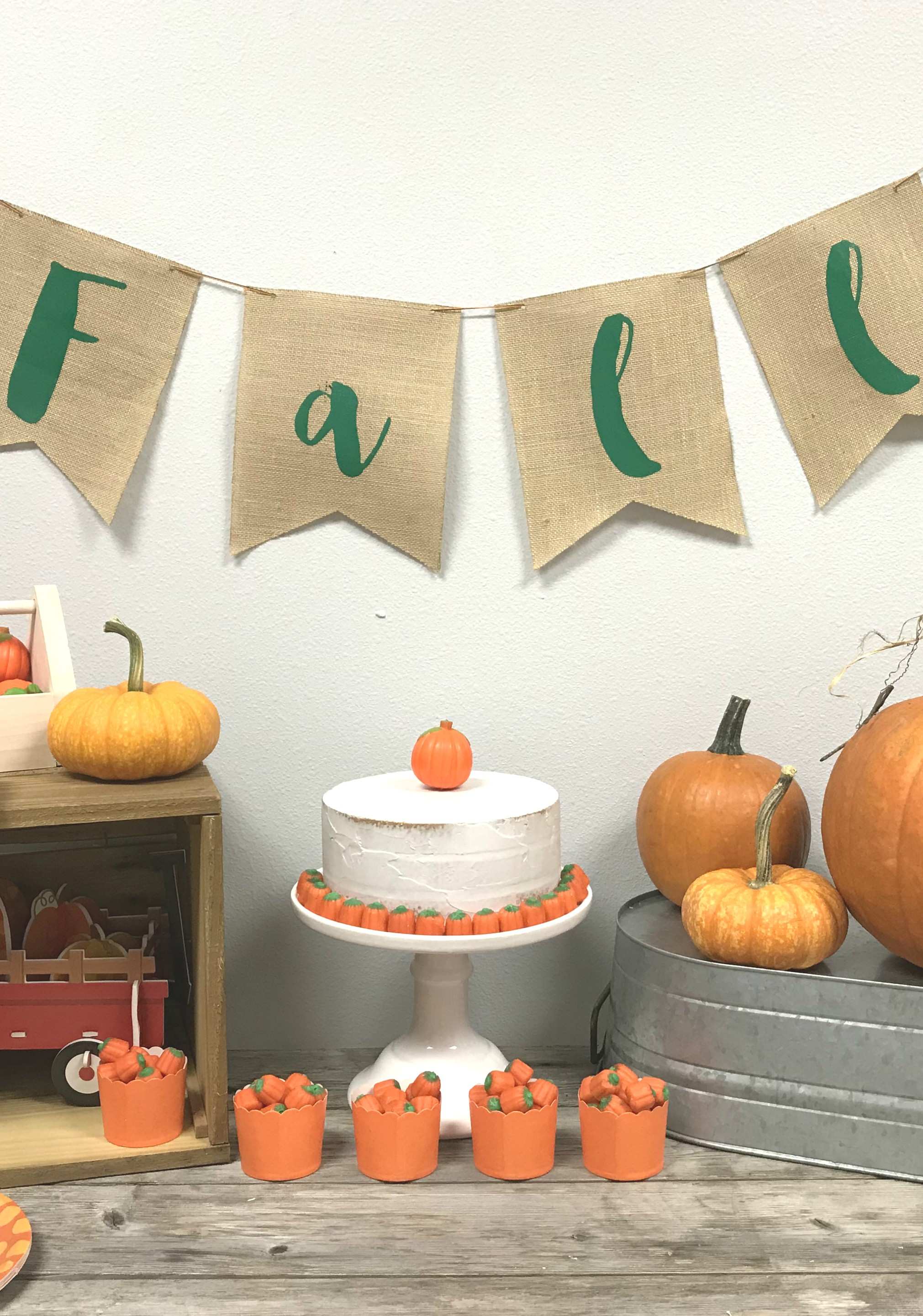 Everyday Party Magazine Fall Pumkin Banner for Little Birdie Crafts